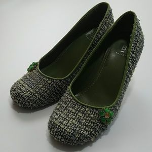BAKERS WOMANS GREEN TWEED PUMPS sz 6